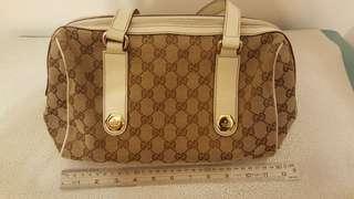 100 % Real Gucci Handbag