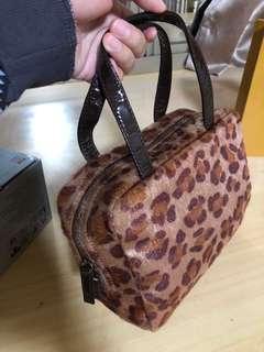 🚚 全新日系品牌豹紋小包
