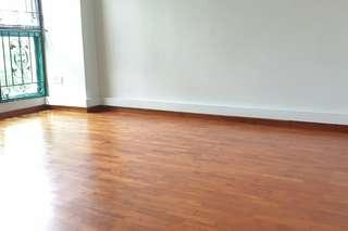 688A Woodlands Dr 75: Master Room for Rent