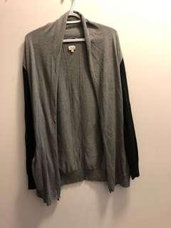 Wilfred Aritzia Grey and Black Cardigan size M