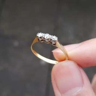 🚚 Vintage Diamond, Gold and Platinum Ring