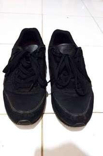 MACBETH FISCHER ALL BLACK