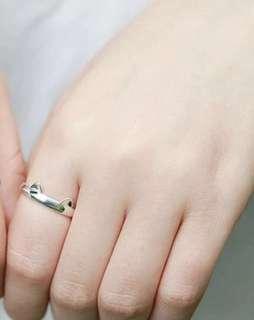 🚚 Fun Cat Ears Ring