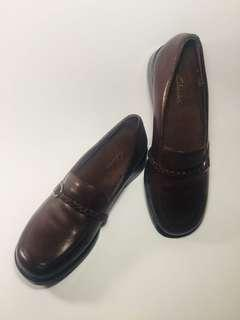 CLARKS Ladies Leather Casual Dress Shoes