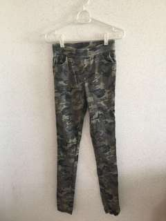 bd2d1bc3 camo | Others | Carousell Singapore