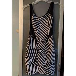 Medium bodycon low back party dress, black and white print