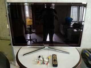 Reduced Samsung 40 inch LED TV ~ Not Smart, Might need a new remote