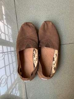 Original Toms Slip On Size 14 Male (FREE SHIP)