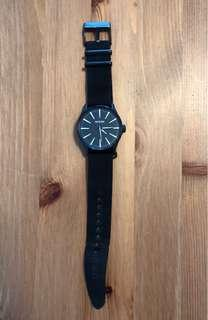 Nixon Watch (Never be Late /  The Sentry) 100m stainless steel 12E - Black