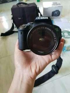CANON EOS 650D 18-135mm KIT