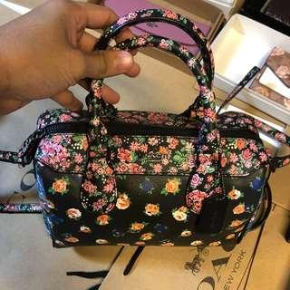 💯% AUTHENTIC NEW ORIGINAL COACH FLORAL SPEEDY CARRY