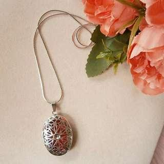 Stainless Aroma Diffuser Necklace