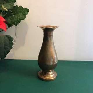 """7"""" brass vase"""