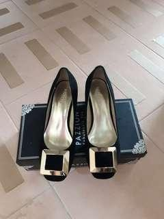 🚚 Pazzion Heels