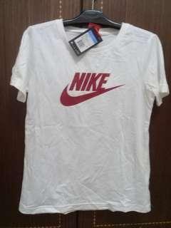 🚚 正品Nike白色T恤