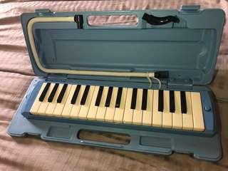 Yamaha Pianica Melodica Keyboard Wind Instrument 32 Note P32D
