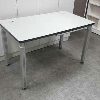 高級辦公桌(鋁製桌腳)120*70公分