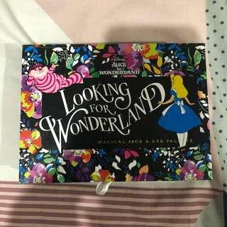 Alice in Wonderland Paette