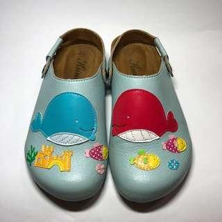 🚚 手工小羊皮創意圖騰勃肯款童鞋