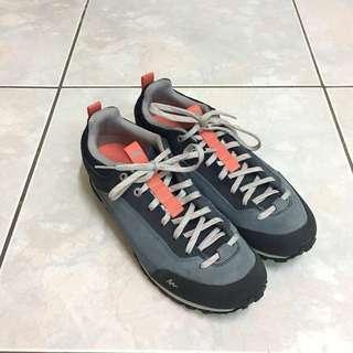 🚚 全新 迪卡儂 QUECHUA NH500 女輕量防滑緩震休閒健行鞋