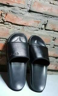Sandal slide