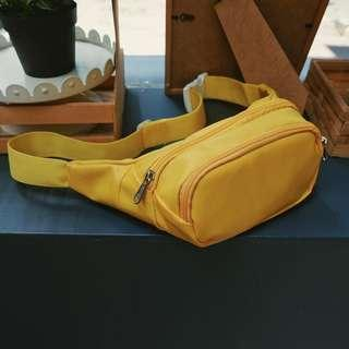 waist bag yellow