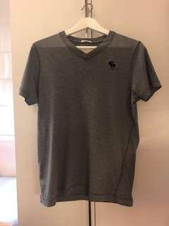 🚚 A&F Abercrombie 100%正品灰色s號v領短T恤
