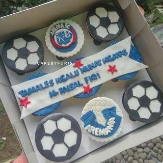 Cupcakes for Birthday Boy isi 9 cup - Cupcakes Custom Fondant - TANGERANG