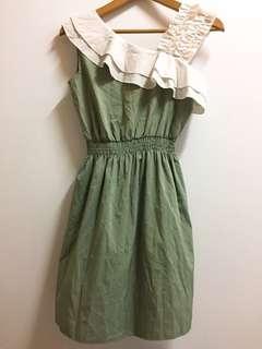 🚚 斜肩綠洋裝