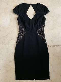 Black Dress Spotlight By Warehouse