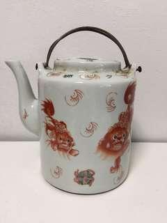 Jingdezhen Porcelain Traditional 少獅泰保TeaPot only with Iron Loop-Handle