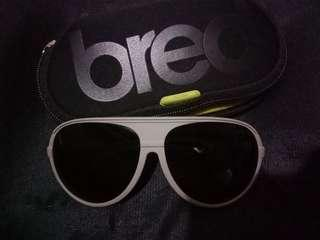 Kacamata pria merk Breo original