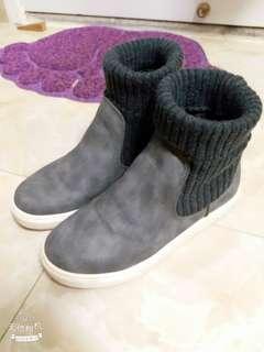 正版韓風灰色短靴休閒鞋(輕微增高)