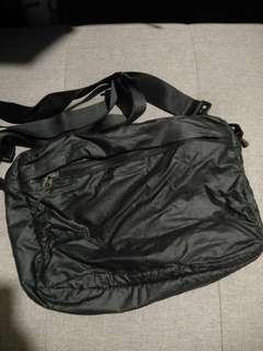 NIKE reversible sling bag