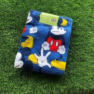 🚚 BNWT Disney Japan Mickey Mouse Bath Towel