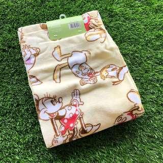🚚 BNWT Disney Minnie Mouse Bath Towel