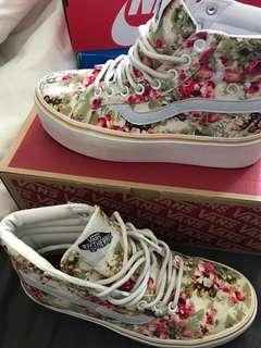 Women's/ kids high top oldskool vans