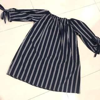 🚚 Stripes Off Shoulder Top In Navy