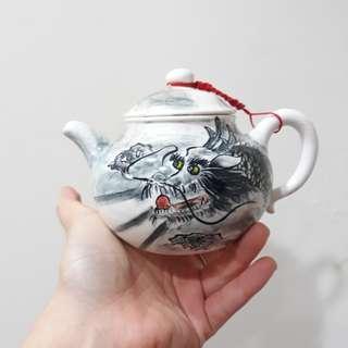 🚚 手工繪製黑龍茶壺