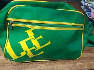 🚚 Lee斜背式包包
