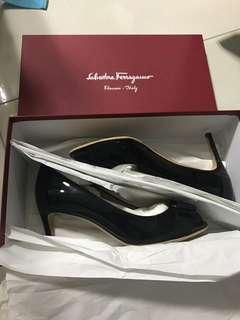 🚚 Salvatore Ferragamo Shoes Size 7D
