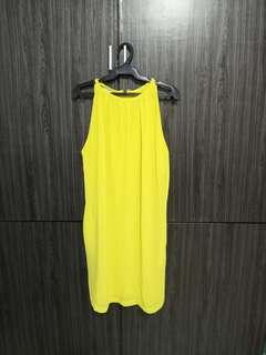 Yello dress