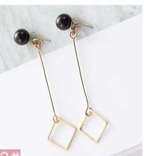 [BRAND NEW] Korean style long earring gold