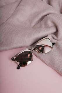 🚚 Reflective Sunglasses