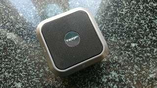 Bluetooth speaker. 藍牙喇叭