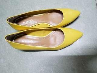 le saunda shoes 38-39 size