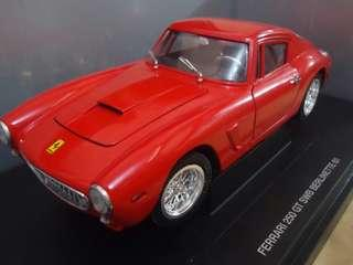 Ferrari 250 GT SWB Berlinette 61 Diecast 1:18 Model Car