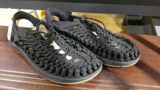 KEEN UNEEK FLAT黑色編織涼鞋