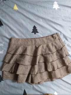 毛呢荷葉褲裙~