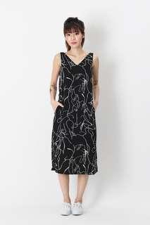 🚚 AFA Luna Abstract V-neck Midi Dress